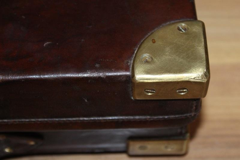 10_Δερμάτινη βαλίτσα όπλου Holland & Holland κωδ.42