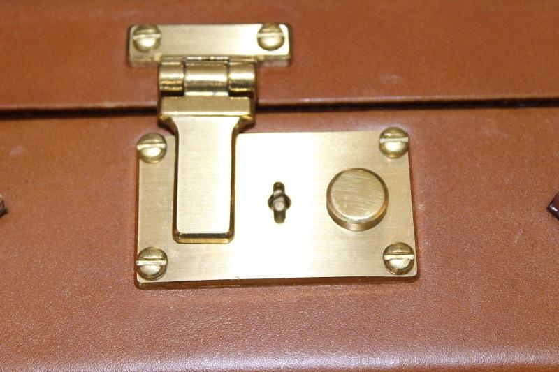 7_Δερμάτινη βαλίτσα όπλου κωδ.32