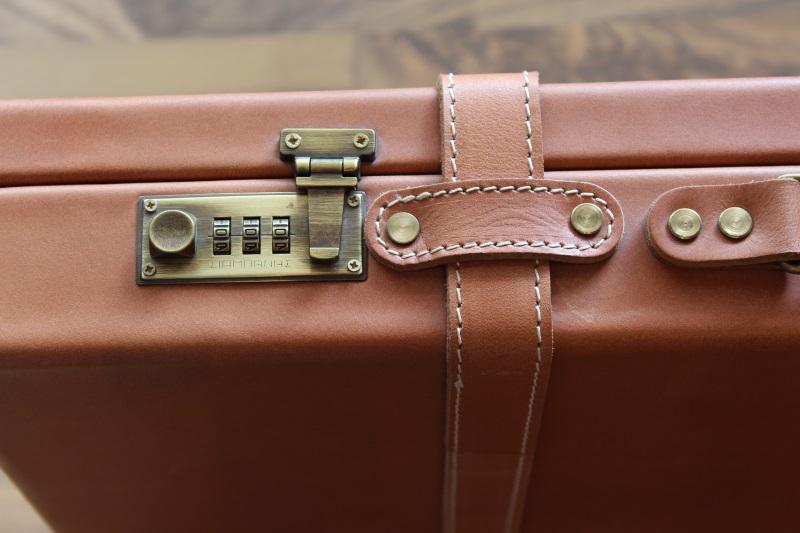 7_Διπλή δερμάτινη βαλίτσα κωδ.21