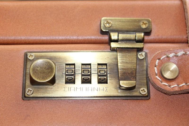 8_Διπλή δερμάτινη βαλίτσα κωδ.21